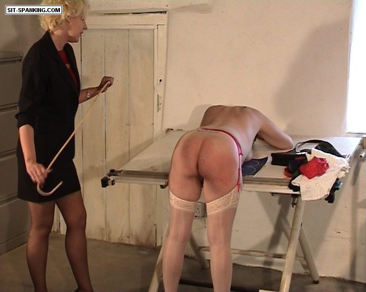 Sit-Spanking – Bad Office Day Part 1-2
