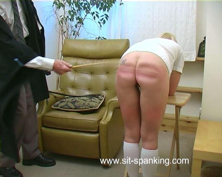 Sit-Spanking – It wasn't me Sir
