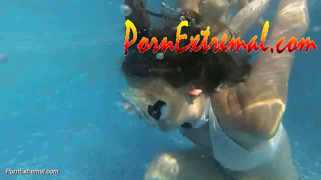 UnderWater Serie – Naughty Schoolgirl Taught a Lesson on Drowning