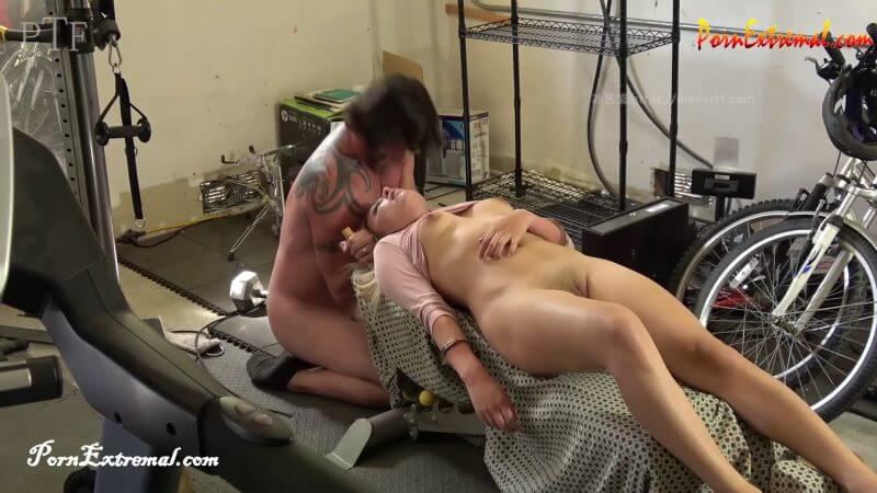 paris hilton pussy lick