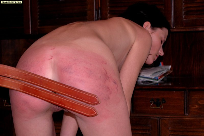 Spanked-Cutie – CATCHING A THIEF
