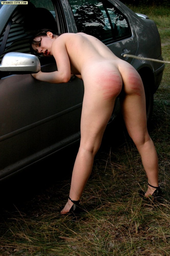 Spanked-Cutie – OUTDOOR SPANKING