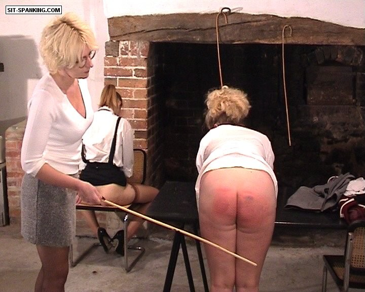Sit-Spanking – Let's Play Truant Part 1-2